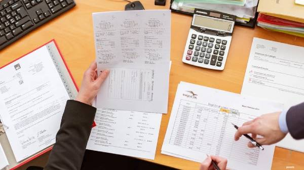 HOW EFFICIENT BOOKKEEPING CAN HELP YOUR SMALL BUSINESS SUCCEED